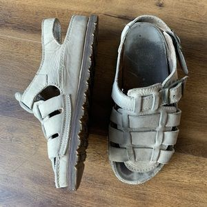Dr. Martens fisherman sandals suede leather sz 9